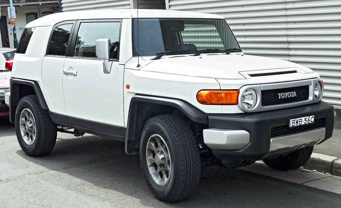 Toyota Fj Cruiser Uk Review >> 2016 Toyota FJ Cruiser Review, Price, Specs - Starr Luxury Car Hire UK | The UK's Leading Luxury ...