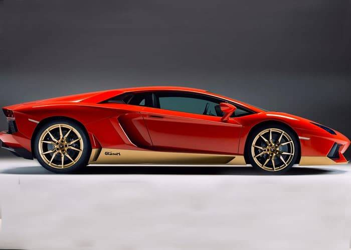 HIRE LAMBORGHINI AVENTADOR UK