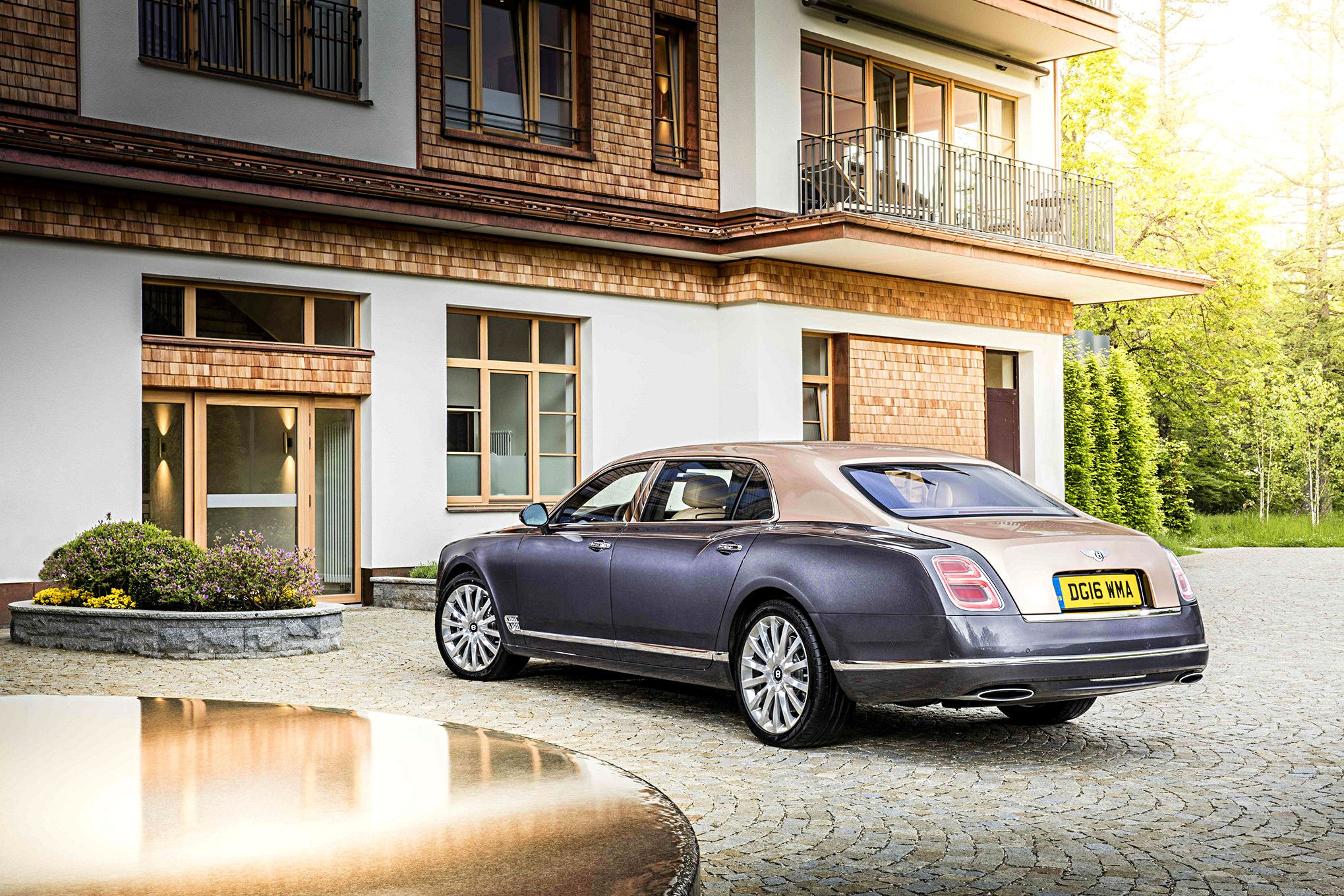 Bentley Mulsanne Chauffeur Hire UK