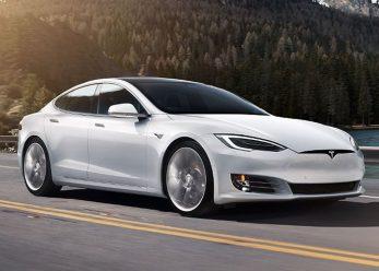 Tesla-ModelS-P100D-white-700x500-1